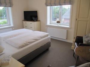 Doppelzimmer Nr. 6 (2)
